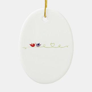 Frontera del pájaro del amor adorno ovalado de cerámica