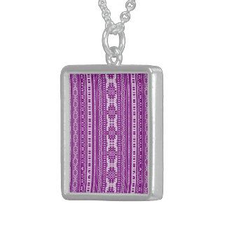 fronteras mezcladas amistosas púrpuras colgante cuadrado