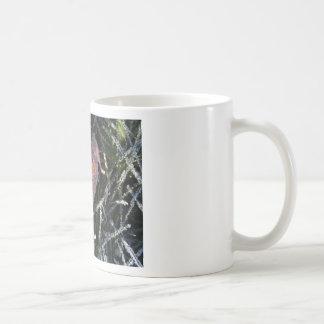 Frost en una hoja taza básica blanca
