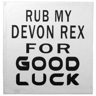 Frote mi gato de Devon Rex para la buena suerte