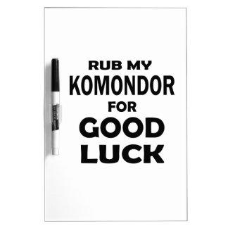 Frote mi Komondor para la buena suerte Tablero Blanco