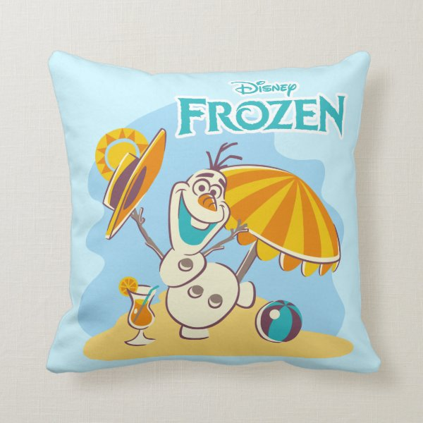 Frozen | Olaf Playing on the Beach Throw Pillow