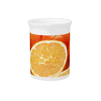 Fruta anaranjada jarron
