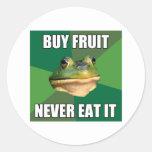 Fruta asquerosa de la compra de la rana del solter pegatinas redondas