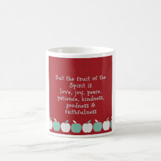 Fruta de la taza del alcohol