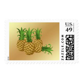 Fruta de moda de la piña en fondo del oro sellos