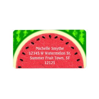 Fruta del verano de la rebanada de la sandía con etiquetas de dirección