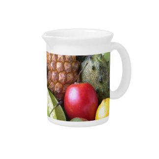 Fruta generosa jarra de beber