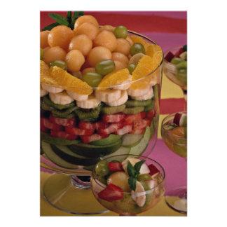 Fruta mezclada, acodada en cuenco invitaciones personalizada