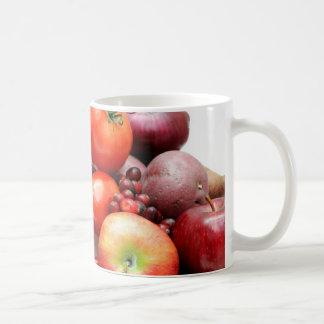 Fruta y verduras rojas tazas