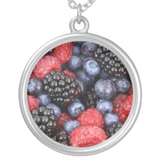 Frutas del collar del bosque