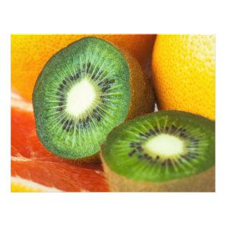 """Frutas tropicales: kiwi y pomelo folleto 8.5"""" x 11"""""""