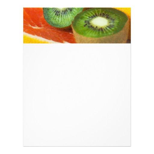 Frutas tropicales: kiwi y pomelo plantilla de membrete