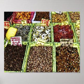 Frutas y nueces secadas en el mercado póster