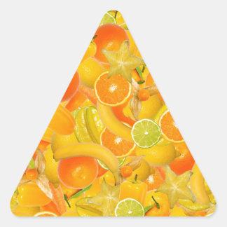Frutas y verduras amarillas y anaranjadas pegatina triangular