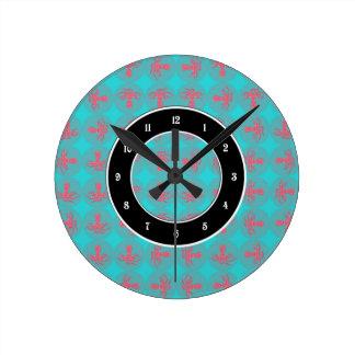 Fuchsia octopus pattern round clock