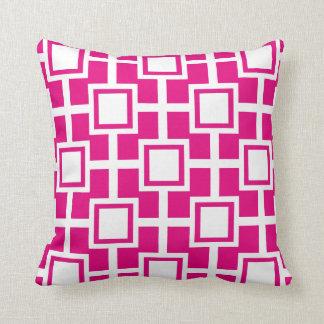 Fucsia geométrico de moda de la rejilla el | de almohada