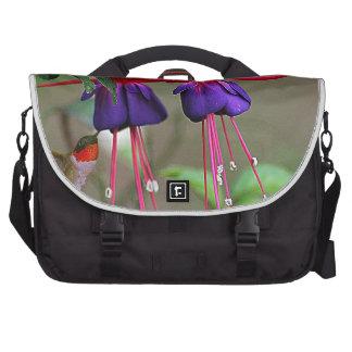 Fucsia y colibrí bolsas de portatil