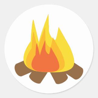 Fuego al aire libre pegatina redonda