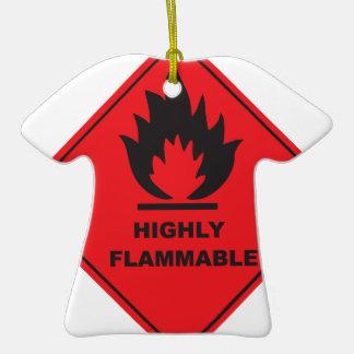 Fuego altamente inflamable de la muestra adorno de cerámica en forma de playera