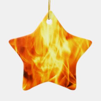 Fuego ardiente adorno navideño de cerámica en forma de estrella