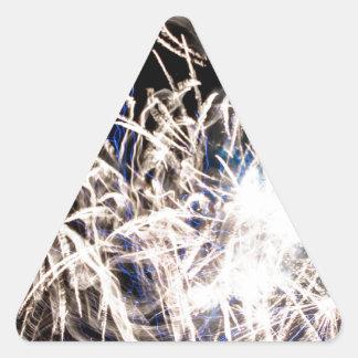 Fuego blanco pegatina triangular