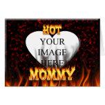 Fuego caliente de la mamá y corazón de mármol rojo tarjeta