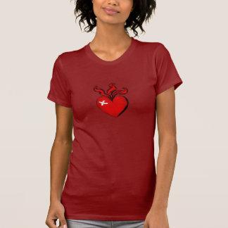 Fuego danés del corazón del amor de ilustraciones camiseta