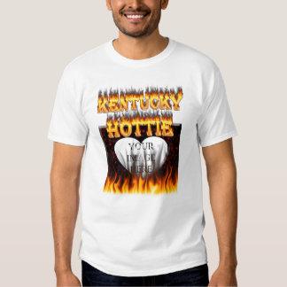 Fuego de Kentucky Hottie y corazón de mármol rojo Polera