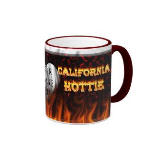 Fuego del hottie de California y taza de las