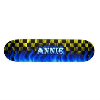 """Fuego del monopatín de Annie y diseño azules de la Patineta 7 7/8"""""""