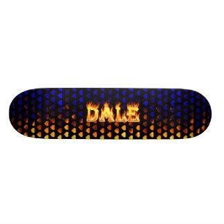 Fuego del monopatín de Dale y diseño de las llamas