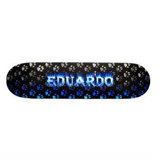 Fuego del monopatín de Eduardo y diseño azules de