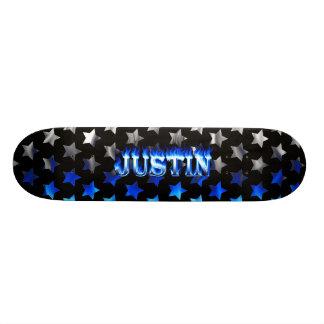 Fuego del monopatín de Justin y diseño azules de l