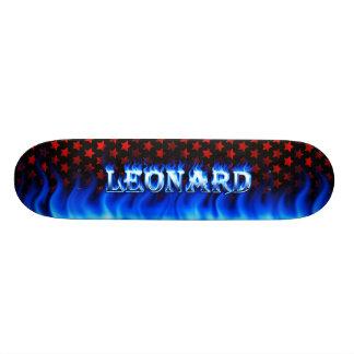 Fuego del monopatín de Leonard y diseño azules de