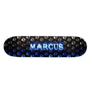 Fuego del monopatín de Marco y diseño azules de la