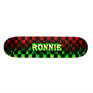 Fuego del monopatín de Ronnie y diseño de las llam