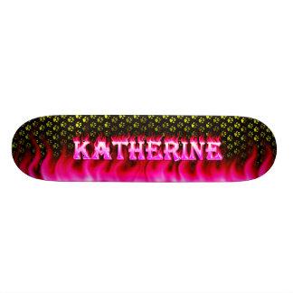 Fuego del rosa del monopatín de Katherine y diseño Monopatines Personalizados