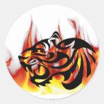 Fuego del tigre pegatinas redondas
