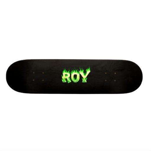 Fuego del verde del monopatín de Roy y diseño de l