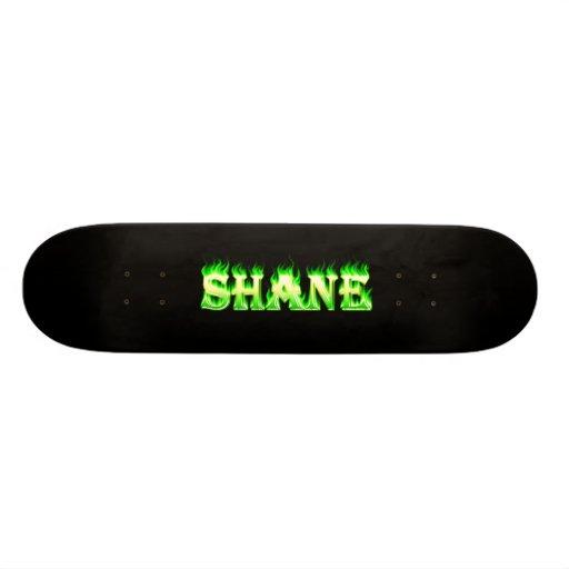 Fuego del verde del monopatín de Shane y diseño de