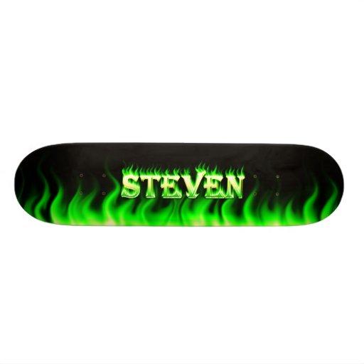 Fuego del verde del monopatín de Steven y diseño d