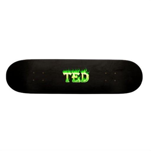 Fuego del verde del monopatín de Ted y diseño de l