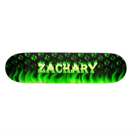 Fuego del verde del monopatín de Zacarias y diseño