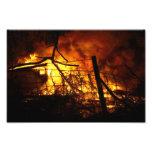 Fuego detrás de la cerca impresion fotografica