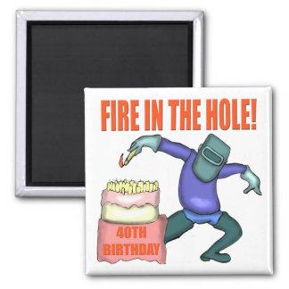 Fuego en los 40.os regalos de cumpleaños del aguje imanes para frigoríficos