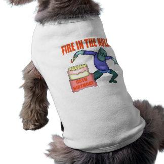 Fuego en los 65.os regalos de cumpleaños del aguje playera sin mangas para perro