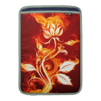 Fuego fresco de la flor del fuego del naranja y fundas macbook air