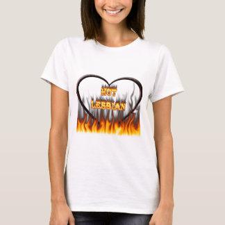 Fuego lesbiano caliente y corazón de mármol rojo playera