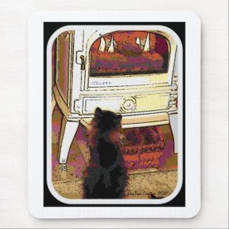 Fuego que mira el gatito alfombrillas de ratones